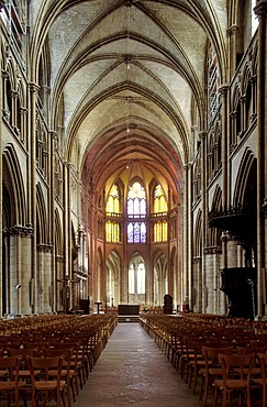 Interior view of the Cathedrale Saint-Cyr-et-Sainte-Julitte de Nevers cathedral, Nevers, Nievre, Burgundy, France, Europe