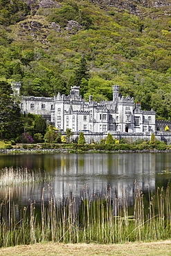 Kylemore Abbey, Connemara, County Galway, Republic of Ireland, Europe