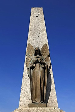 Second World War memorial with bronze angel against blue sky, Bergheim, Alsace, France, Europe