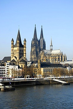 Frankenwerft in winter, in the back the church Gross St. Martin and the Cologne Cathedral, old town on the Rhine river, Cologne, Rhineland, North Rhine-Westphalia, Germany, Europe