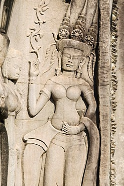 Relief of Apsara dancer, Angkor Wat Temple, Angkor temples, Siem Reap, Cambodia, Indochina, Southeast Asia