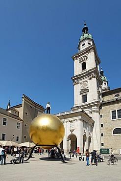 Kapitelplatz Square with cathedral and piece of art, Salzburg, Old Town, Austria, Europe