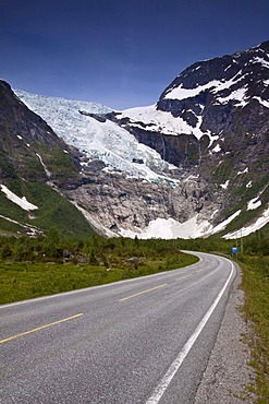 The B¯yabreen glacier is part of the Jostedalsbreen glacier and the largest European continental glacier, Norway, Scandinavia, Europe