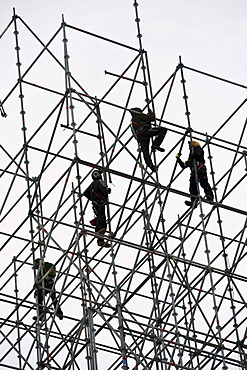 Scaffold workers