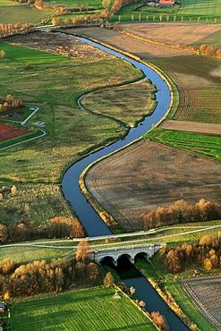 Aerial view, meandering river Stever, canal bridge, Alte Fahrt canal, Olfen, Muensterland region, North Rhine-Westphalia, Germany, Europe