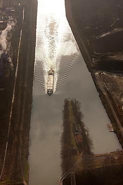 Aerial photo, Emscher River, freighter, Emscher Dueker, Henrichenburg, Rhine-Herne Canal, Castrop-Rauxel, Ruhr area, North Rhine-Westphalia, Germany, Europe