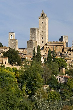 City view with residential towers and dynasty towers of San Gimignano, UNESCO World Heritage Site, Tuscany, Italy, Europe