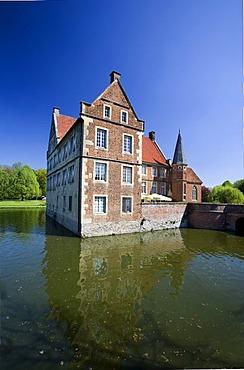 Huelshoff Castle, Havixbeck, Muensterland, North Rhine-Westphalia, Germany, Europe