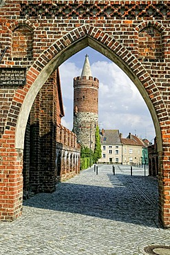 Old city walls with the Dammtor gate, Jueterbog, Flaeming, Brandenburg, Germany, Europe