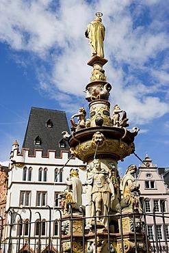 Petrusbrunnen fountain, Hauptmarkt central square, Trier, Rhineland-Palatinate, Germany, Europe
