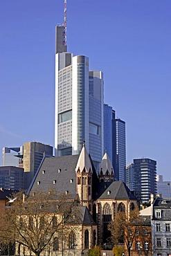 Skyline, contrast old and modern buildings, Frankfurt, Hesse, Germany, Europe