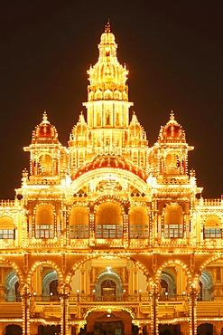 Detail of Maharaja's Palace, Mysore Palace, Amba Vilas, illumination on a Sunday with light bulbs, Mysore, Karnataka, South India, India, South Asia, Asia