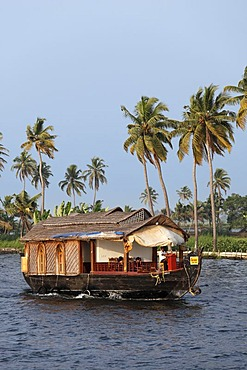 Houseboat, backwaters near Alleppey, Alappuzha, Kerala, South India, South Asia, Asia