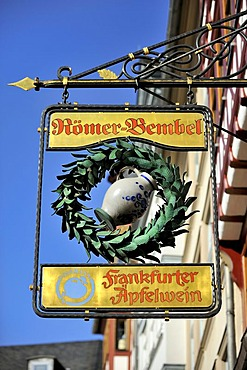 Inn sign of the traditional tavern Wirtshaus Roemerbembel, Roemerberg square, Frankfurt am Main, Hesse, Germany, Europe
