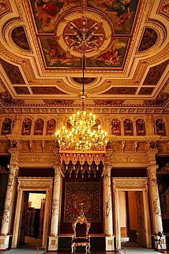 Throne room with chandelier, built in 1856 in the Berlin neo-Renaissance style, Schweriner Schloss castle, built from 1845 to 1857, romantic historicism, Lennestrasse 1, Schwerin, Mecklenburg-Western Pomerania, Germany, Europe