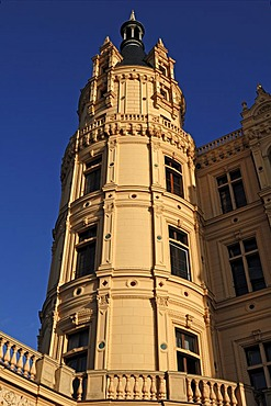 Side tower of the Schwerin Castle against a blue sky, the castle was built between 1845 and 1857 during romantic historicism, Lennestrasse 1, Schwerin, Mecklenburg-Western Pomerania, Germany, Europe