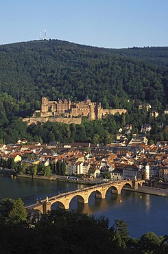View from the Philosophenweg trail on Heidelberg, Alte Bruecke bridge, Heidelberger Schloss castle, Neckar river, Heidelberg, Baden-Wuerttemberg, Germany, Europe