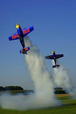 Aerobatics with model airplanes