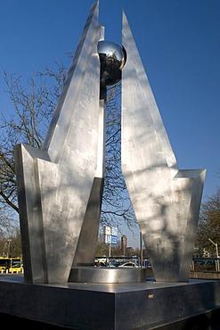 """Sculpture """"Energie"""", Energy by G. Steinmann, Essen, Ruhrgebiet area, North Rhine-Westphalia, Germany, Europe"""