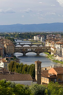 City view with the Ponte Vecchio bridge and Arno river, view from Mount all Croci, Florence, Tuscany, Italy, Europe