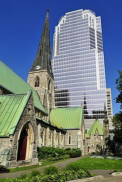 Cathedrale Christ Church with modern skyscraper, Montreal, Quebec, Canada, North America