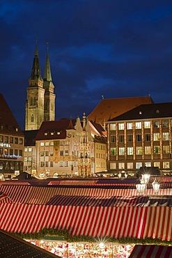 Christmas Market, Hauptmarkt square, historic town, Nuremberg, Middle Franconia, Franconia, Bavaria, Germany, Europe