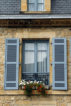 Shuttered windows, flower boxes, Sarlat, Dordogne, Aquitaine, France, Europe