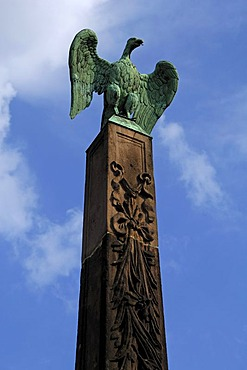 Imperial eagle on an obelisk on the Karlsbruecke bridge, 1728 in honor of Emperor Karl VI. 1740-1748, Karlsbruecke bridge, Nuremberg, Middle Franconia, Bavaria, Germany, Europe