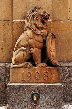 Lion, fountain sculpture, Art Nouveau, 1908, Loewenstrasse, Freiburg, Baden-Wuerttemberg, Germany, Europe