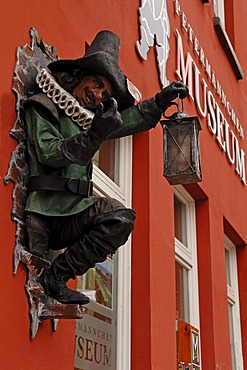 Figure on the Petermaennchen-Museum, Am Markt 10, Schwerin, Mecklenburg-Western Pomerania, Germany, Europe