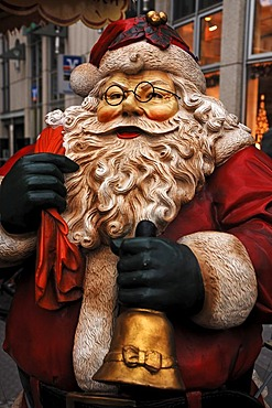 Detail of a large Santa Claus figure on a Christmas Market, market place, Halle Saale, Saxony-Anhalt, Germany, Europe