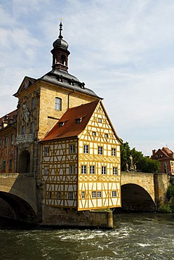 Old town hall with half-timbered house and Obere Bruecke bridge on an island in the river Regnitz, UNESCO World Heritage Site Bamberg, Upper Franconia, Bavaria, Germany, Europe