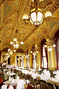 Dining room, bar cafe restaurant at the Old Opera, Alte Oper on Opernplatz Square, Frankfurt am Main, Hesse, Germany, Europe