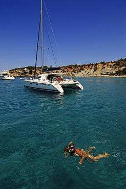 Tour boat, boat trip, Cala d'Hort, Ibiza, Pine Islands, Balearic Islands, Spain, Europe