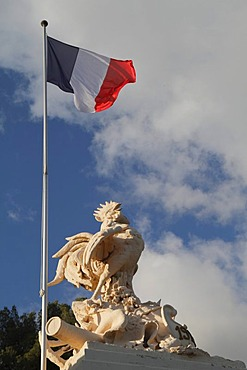 Sculpture of the Gallic rooster national symbol and French national flag, Alpes Maritimes, Region Provence-Alpes-Cote d'Azur, Southern France, France, Europe