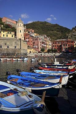Vernazza, Cinque Terre region, Liguria, Italy, Europe
