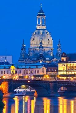Dresden at dusk, old town and River Elbe, Frauenkirche Church of Our Lady, Sekundogenitur, Augustusbruecke bridge, Dresden, Saxony, Germany, Europe