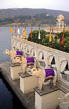 Elephant sculptures on the island of Jag Mandir, Jag Mandir Palace, Lake Pichola, Udaipur, Rajasthan, North India, India, South Asia, Asia