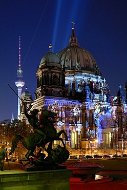 Berlin Cathedral and Fernsehturm television tower, with equestrian statue of the Altes Museum, illuminated at the Festival of Lights, Lustgarten pleasure garden, Berlin Mitte district, Berlin, Germany, Europe