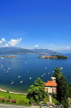 Isola Bella and Isola dei Pescatori island, Borromean Islands, Stresa, Lago Maggiore lake, Piedmont, Italy, Europe