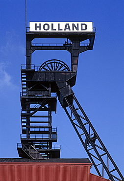 Pit frame of the disused Holland pit, Bochum-Wattenscheid, Ruhr area, North Rhine-Westphalia, Germany, Europe