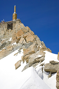 Upper terrace and summit tower at the top of the Aiguille Du Midi, Chamonix, Mont Blanc Massif, Alps, France, Europe