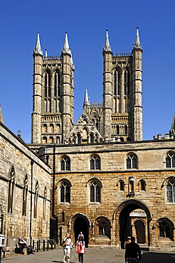 Lincoln Cathedral or St. Mary's Cathedral, 12th and 13th Century, Gothic-Romanesque, Minster Yard, Lincoln, Lincolnshire, England, UK, Europe