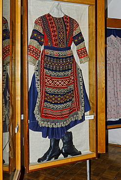 Historic Russian dress for women