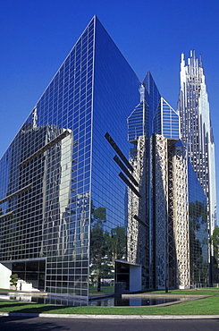 Church Crystal Cathedral in Anaheim, mirrored facade, Los Angeles, California, America, United States