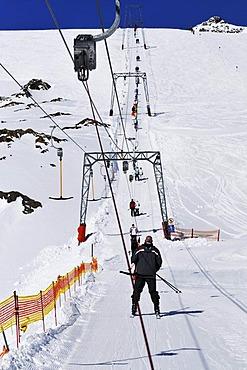 Ski run and t-bar lift, Jochdohle mountain, 3150m, Stubai glacier, Tyrol, Austria, Europe