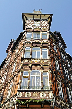 Historic half-timbered house, Marktplatz market square, historic centre, Marburg, Hesse, Germany, Europe
