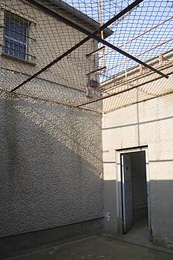"""Prison court yard """"Tiger Cage"""" of the former GDR secret service remand prison, Berlin Hohenschoenhausen memorial, former secret service prison of the GDR, Berlin, Germany, Europe"""