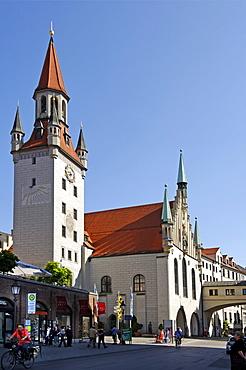Old town hall, Marienplatz square, built 1470 to 1480 by Joerg von Halsbach, Munich, Upper Bavaria, Germany, Europe