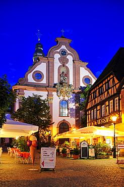 Church square with Sankt Martinskirche St. Martin's Church, Ettlingen, Black Forest, Baden-Wuerttemberg, Germany, Europe